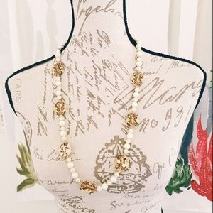 Jewelry - Damaged Women's Painted Necklace Beads